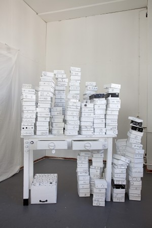 BUTTON DOWN – 2011 (INSTALLATION), 180X160X80 (VARIABEL), MIXED MEDIA